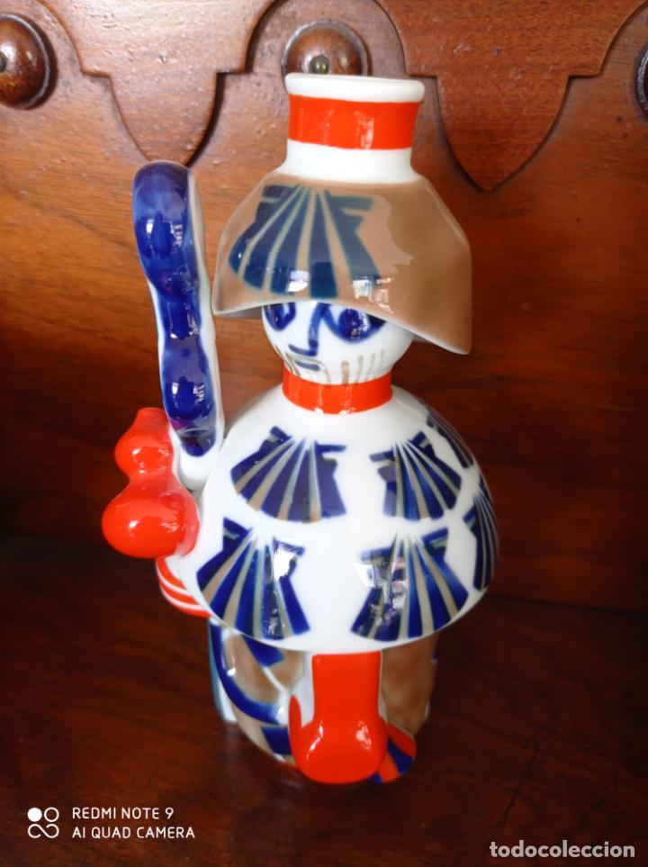 PEREGRINO DE SARGADELOS, DE 16 CMS DE ALTO. VER FOTOS (Antigüedades - Porcelanas y Cerámicas - Sargadelos)