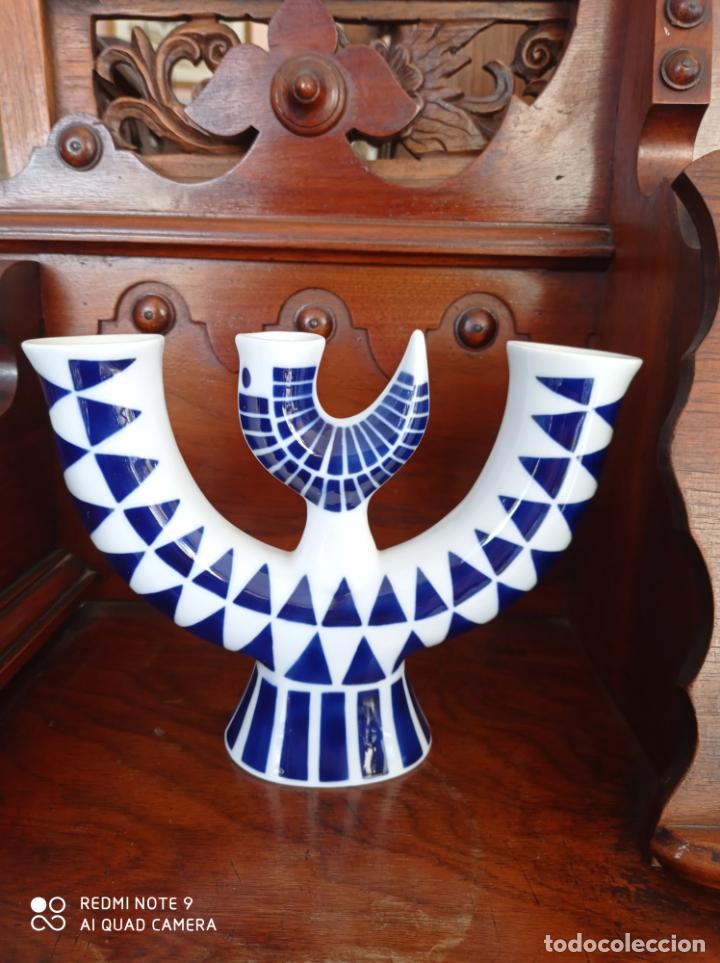 CANDELABRO A DE SARGADELOSS, DE 22 X 17 CMS. VER FOTOS (Antigüedades - Porcelanas y Cerámicas - Sargadelos)
