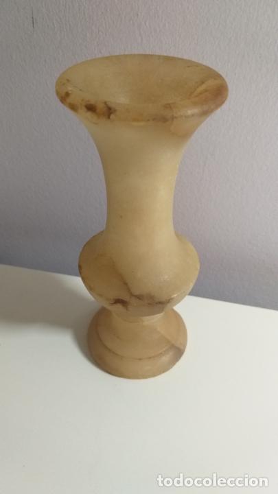 Antigüedades: Jarrón o florero. Marmol. 15 cm de altura. - Foto 4 - 227201815
