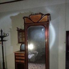Antigüedades: ESPECTACULAR CONJUNTO DE MUEBLES DE DORMITORIO JAIME HOMS DE BARCELONA. 1915. CAOBA CON MARQUETERÍA.. Lote 227207060