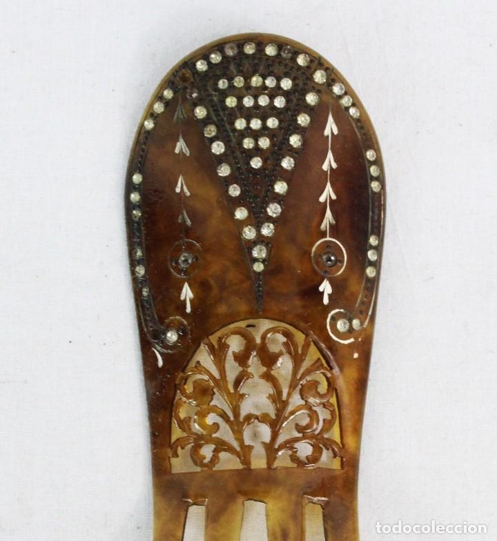 Antigüedades: Peineta en galalita y pedrería de cristal. Art Nouveau. 16x5.5cm Teja 9x5.5cm Algún cristal perdido - Foto 2 - 227267485