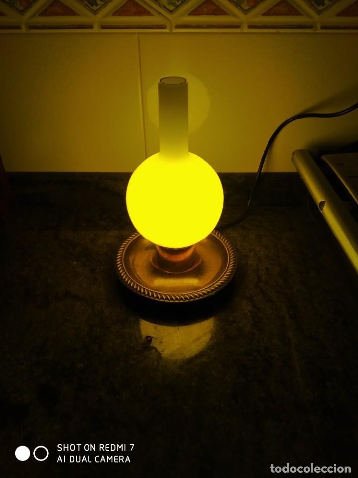 Antigüedades: Dos lámparas tipo quinques alpaca - Foto 8 - 227464296