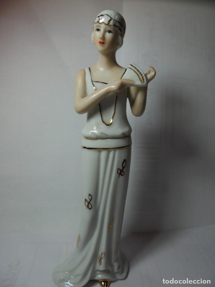 MAGNIFICA FIGURA ANTIGUA EN PORCELANA SOBRE 1930 (Antigüedades - Hogar y Decoración - Figuras Antiguas)