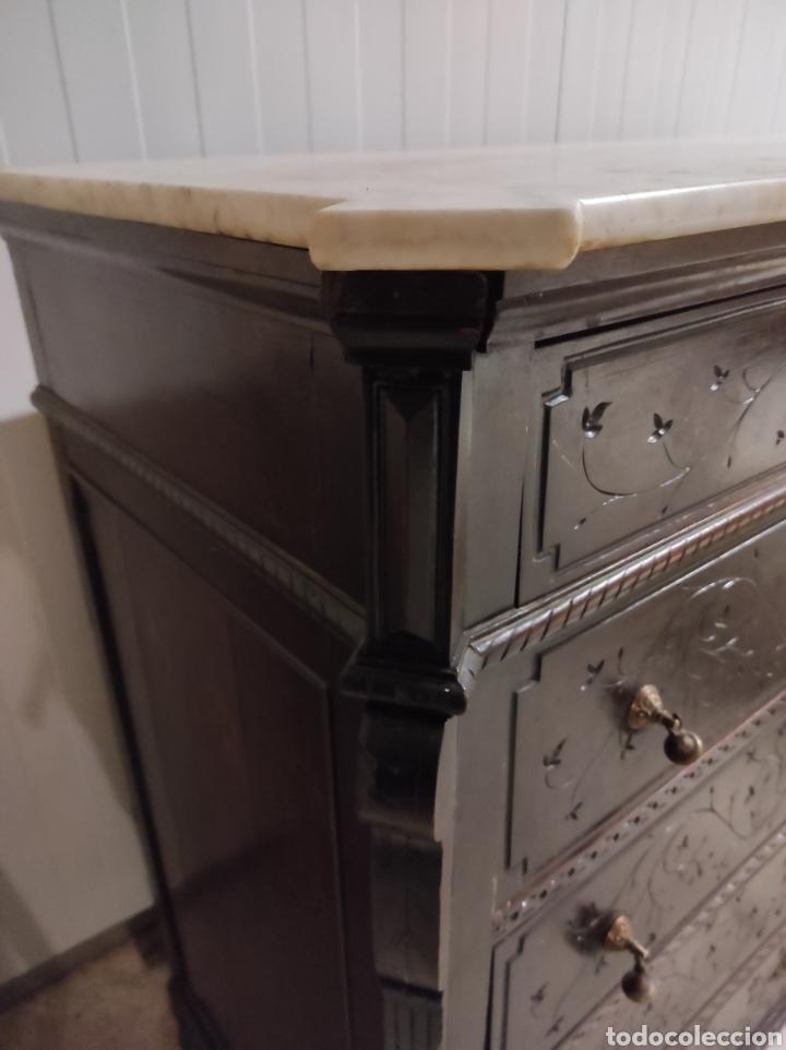 Antigüedades: Antigua cómoda con cajones, con su marmol. - Foto 3 - 227488245