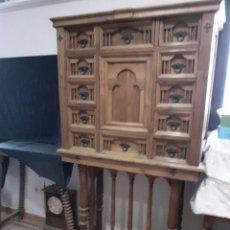 Antigüedades: BARGUEÑO DE MADERA DE NOGAL. Lote 227676145