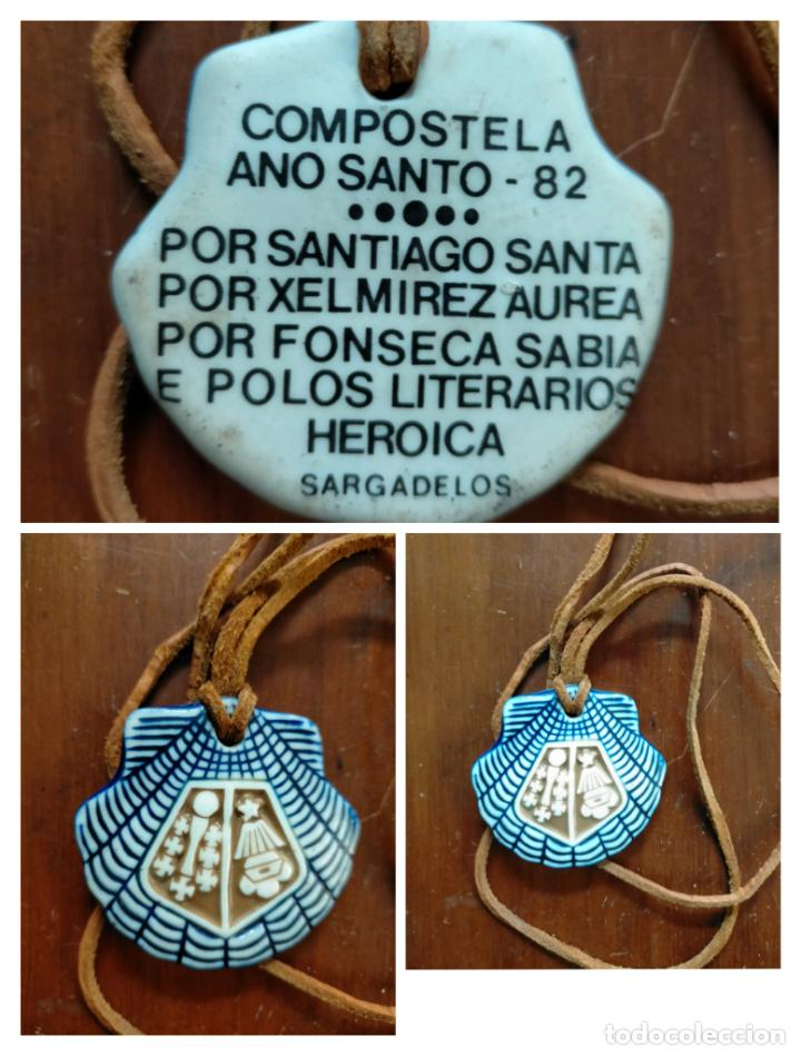 CONCHA COLGANTE CERÁMICA COMPOSTELA AÑO SANTO 1982 POR SANTIAGO SANTA POR XELMIREZ AUREA POR FONSECA (Antigüedades - Porcelanas y Cerámicas - Sargadelos)