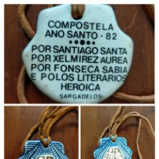 Antigüedades: CONCHA COLGANTE CERÁMICA COMPOSTELA AÑO SANTO 1982 POR SANTIAGO SANTA POR XELMIREZ AUREA POR FONSECA. Lote 227679840