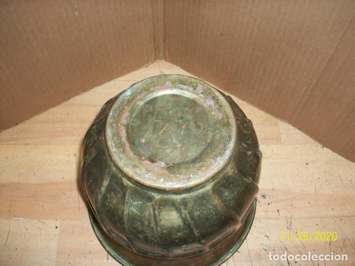 Antigüedades: ANTIGUO MACETERO DE BRONCE - Foto 4 - 227698755