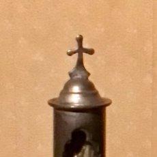 Antigüedades: ANTIGUA CAPILLA DE BRONCE GIRATORIA CON CRUZ DE PASTOR,SOLDADO PASTOR ETC.. Lote 227714725