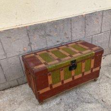 Antigüedades: ANTIGUO BAUL DE MADERA Y CHAPA!. Lote 227766010