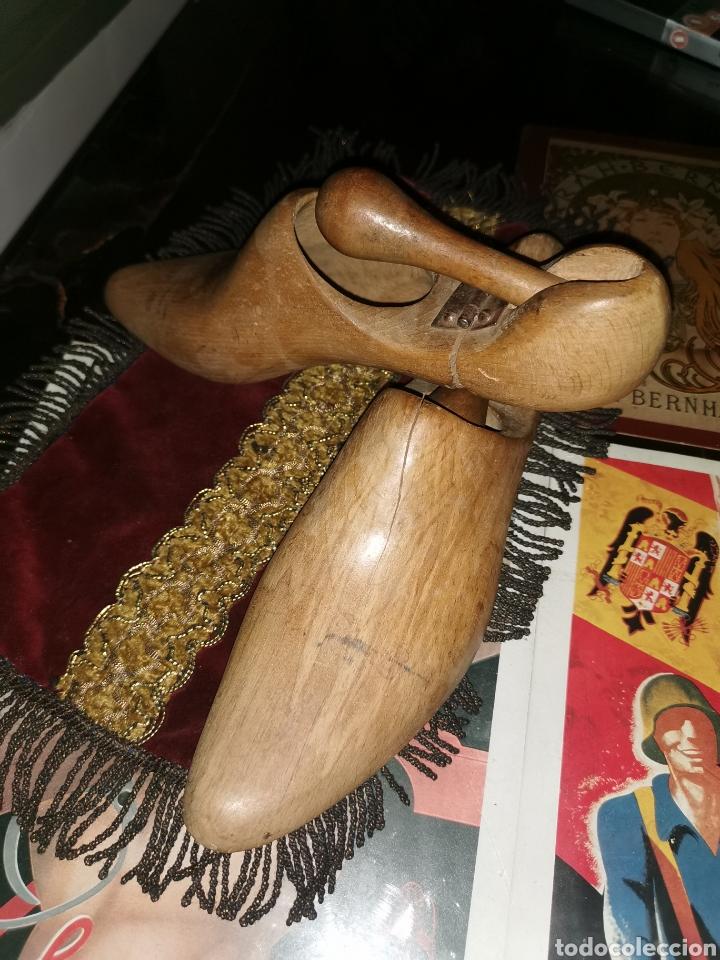 Antigüedades: Pareja de hormas de zapatos. Años 30-40 - Foto 3 - 227904575