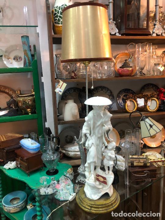 FANTASTICA LAMPARA MANISES ORIENTAL CHINO - MEDIDA TOTAL 78 CM - FUNCIONANDO (Antigüedades - Porcelanas y Cerámicas - Manises)