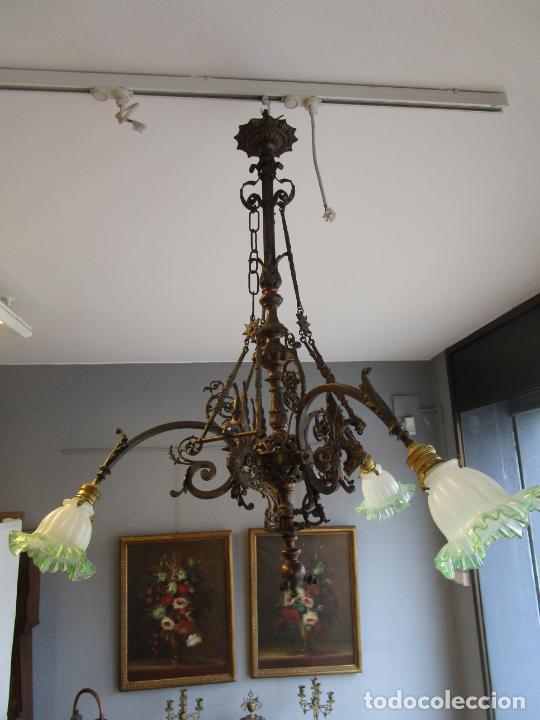 Antigüedades: Antigua Lámpara de Techo de Gas - Bronce - Tulipas de Cristal - 3 Luces - Electrificada - Funciona - Foto 9 - 228007275