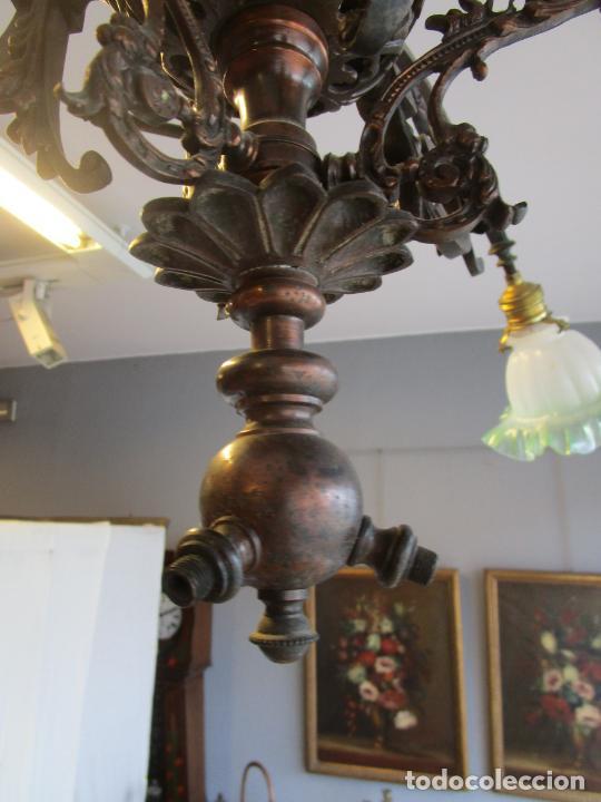 Antigüedades: Antigua Lámpara de Techo de Gas - Bronce - Tulipas de Cristal - 3 Luces - Electrificada - Funciona - Foto 10 - 228007275