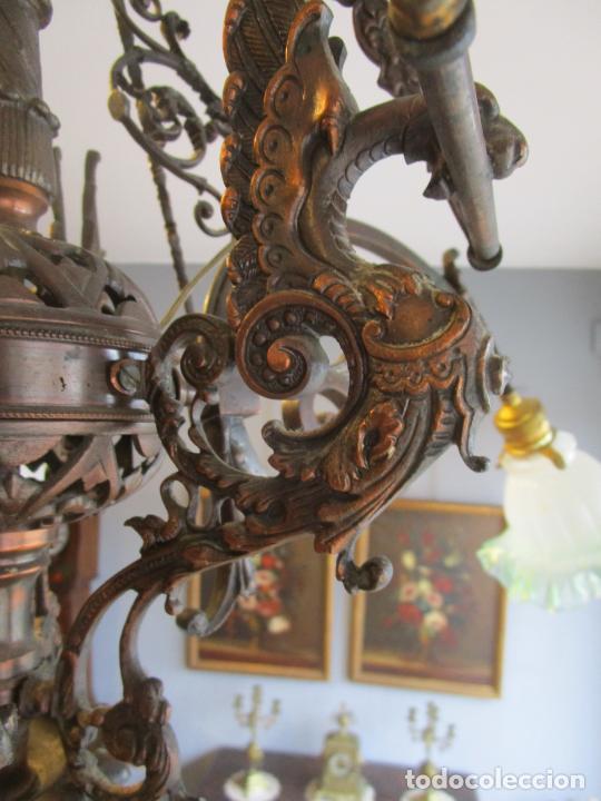Antigüedades: Antigua Lámpara de Techo de Gas - Bronce - Tulipas de Cristal - 3 Luces - Electrificada - Funciona - Foto 12 - 228007275