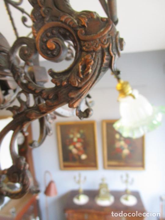 Antigüedades: Antigua Lámpara de Techo de Gas - Bronce - Tulipas de Cristal - 3 Luces - Electrificada - Funciona - Foto 13 - 228007275