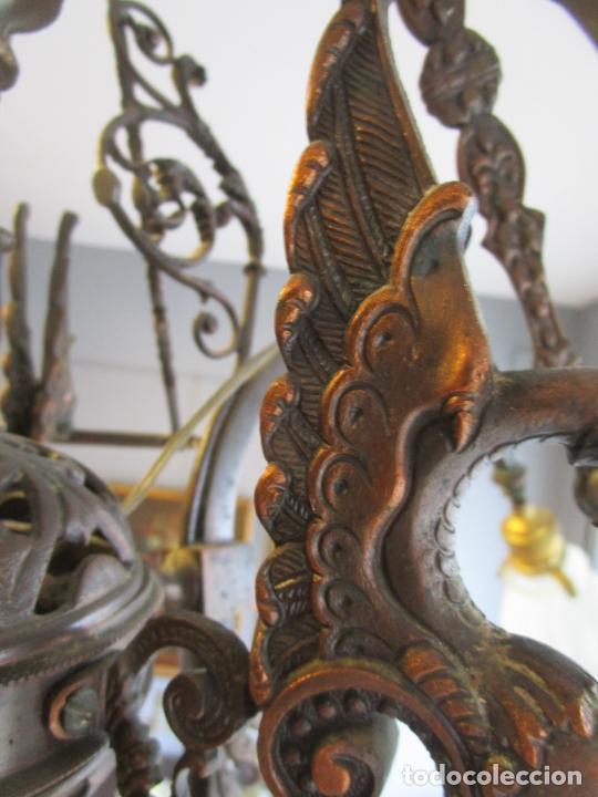 Antigüedades: Antigua Lámpara de Techo de Gas - Bronce - Tulipas de Cristal - 3 Luces - Electrificada - Funciona - Foto 14 - 228007275