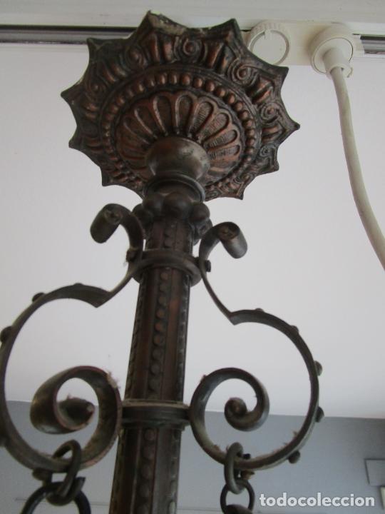 Antigüedades: Antigua Lámpara de Techo de Gas - Bronce - Tulipas de Cristal - 3 Luces - Electrificada - Funciona - Foto 23 - 228007275