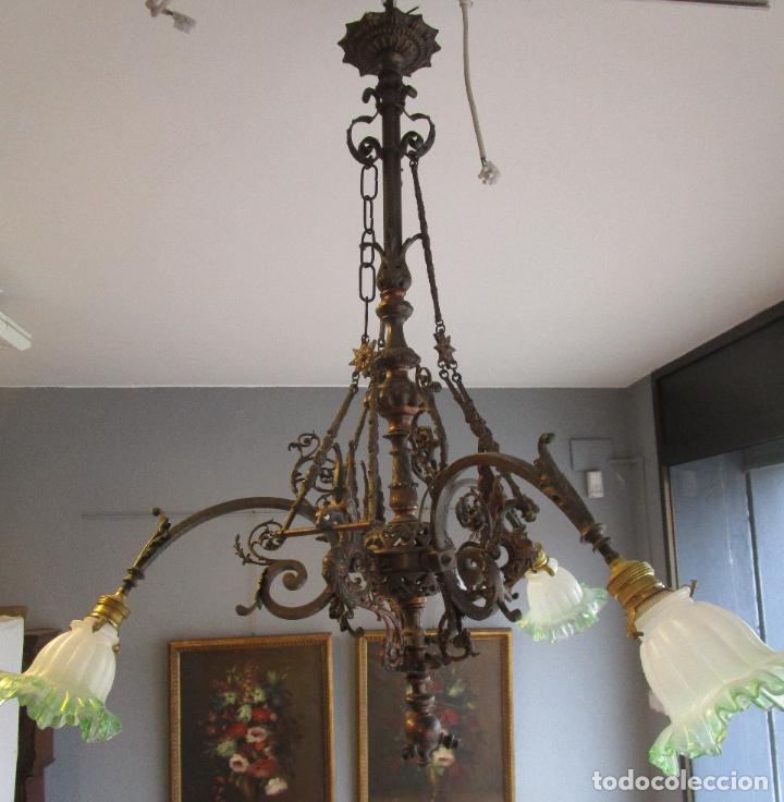 Antigüedades: Antigua Lámpara de Techo de Gas - Bronce - Tulipas de Cristal - 3 Luces - Electrificada - Funciona - Foto 25 - 228007275