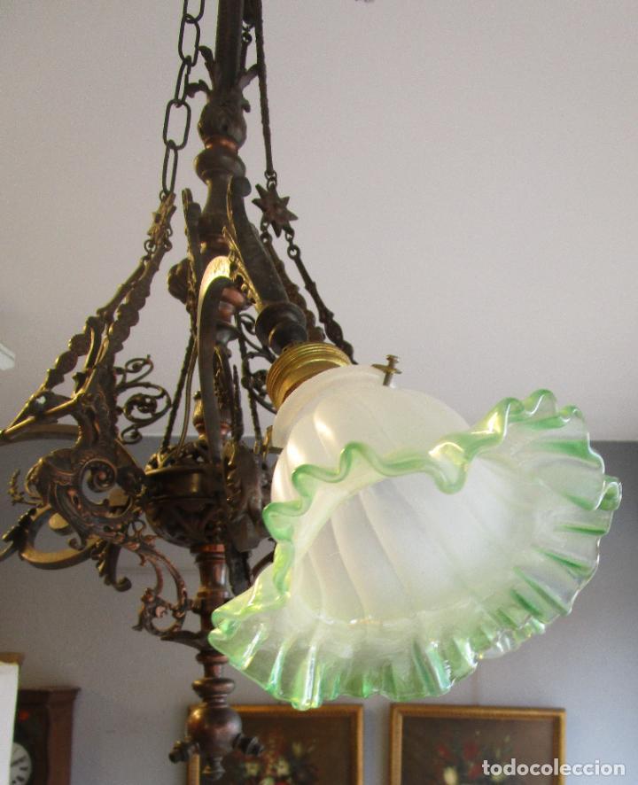 Antigüedades: Antigua Lámpara de Techo de Gas - Bronce - Tulipas de Cristal - 3 Luces - Electrificada - Funciona - Foto 26 - 228007275