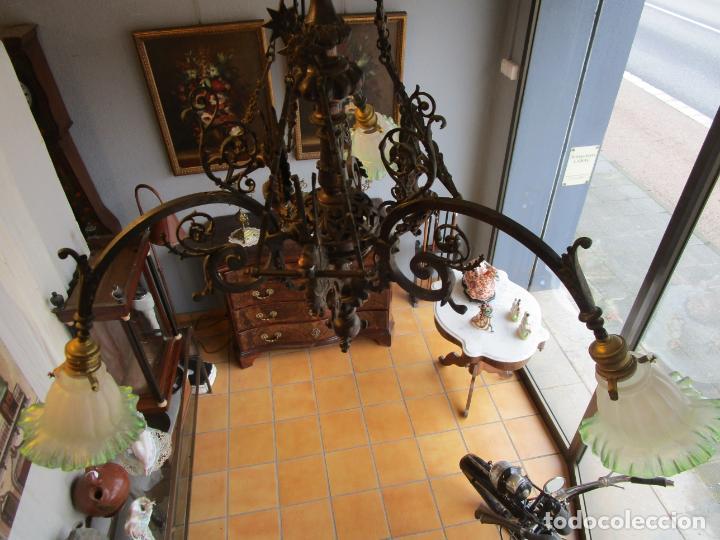 Antigüedades: Antigua Lámpara de Techo de Gas - Bronce - Tulipas de Cristal - 3 Luces - Electrificada - Funciona - Foto 28 - 228007275