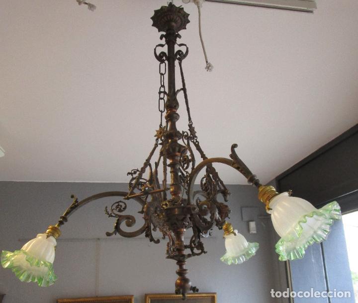 Antigüedades: Antigua Lámpara de Techo de Gas - Bronce - Tulipas de Cristal - 3 Luces - Electrificada - Funciona - Foto 31 - 228007275