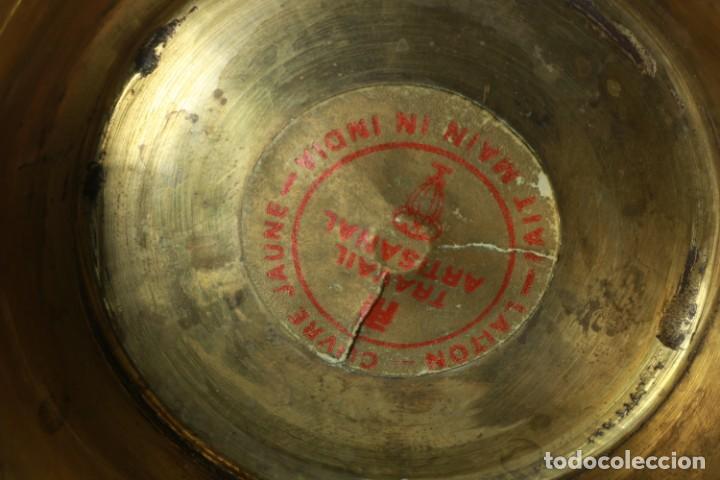 Antigüedades: Antigua jarra de latón y cobre amarillo fabricada en India - Foto 17 - 228016155