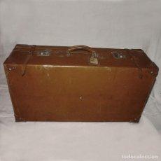 Antigüedades: MALETA BAUL DE VIAJE, PIEL O CUERO PRINCIPIO 1900. Lote 228045565