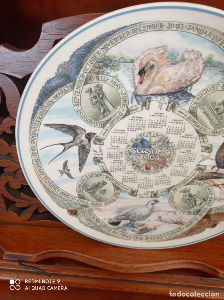 PLATO CALENDARIO DE PORCELANA INGLESA WEDGWOOD DEL AÑO 2003, SEASONS BIRDS. 26 CMS (Antigüedades - Porcelanas y Cerámicas - Inglesa, Bristol y Otros)