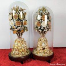 Antigüedades: 2 FANALES CON COMPOSICIONES DE CONCHAS MARINAS. ESPAÑA. CIRCA 1850. Lote 228094965