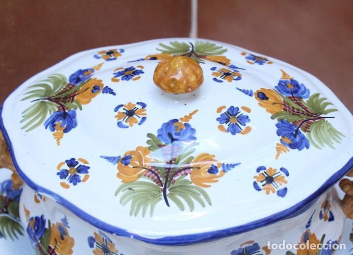 Antigüedades: GRAN SOPERA Y BANDEJA DE TALAVERA. - Foto 9 - 228104295