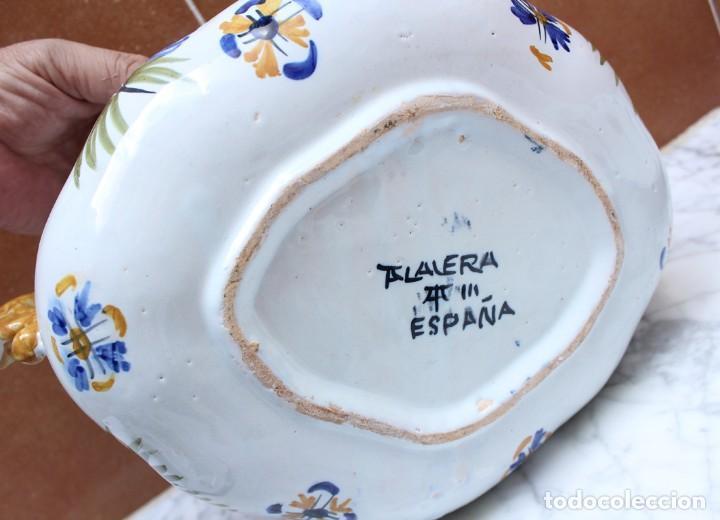 Antigüedades: GRAN SOPERA Y BANDEJA DE TALAVERA. - Foto 16 - 228104295