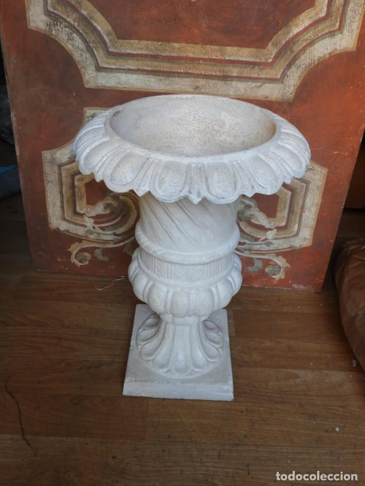 Antigüedades: COPA DE HIERRO CON BONITA FORMA ALTURA 55 CM - Foto 7 - 228112945