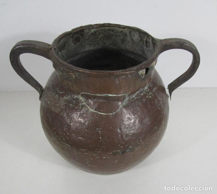 Antigüedades: Antigua Jarra de Cobre - Caldero - Asas de Hierro Forjado - S. XVIII-XIX - Foto 2 - 228140100