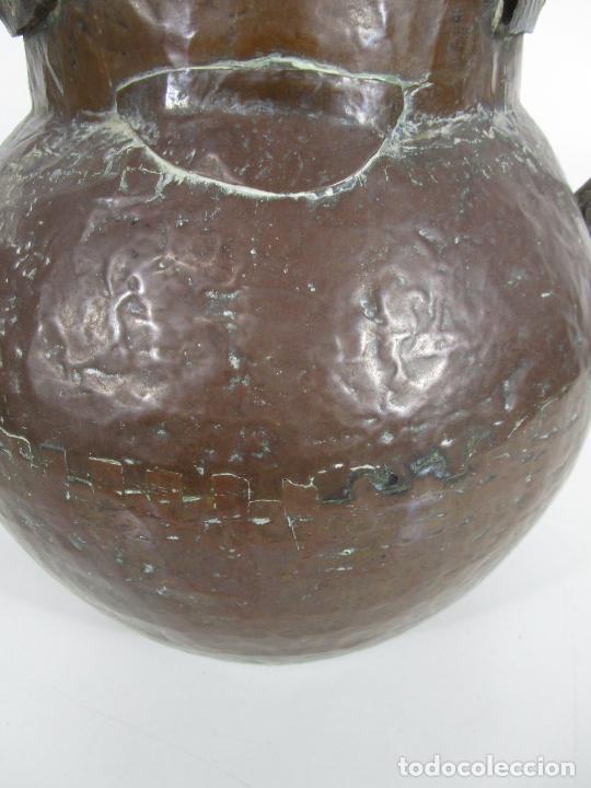 Antigüedades: Antigua Jarra de Cobre - Caldero - Asas de Hierro Forjado - S. XVIII-XIX - Foto 3 - 228140100