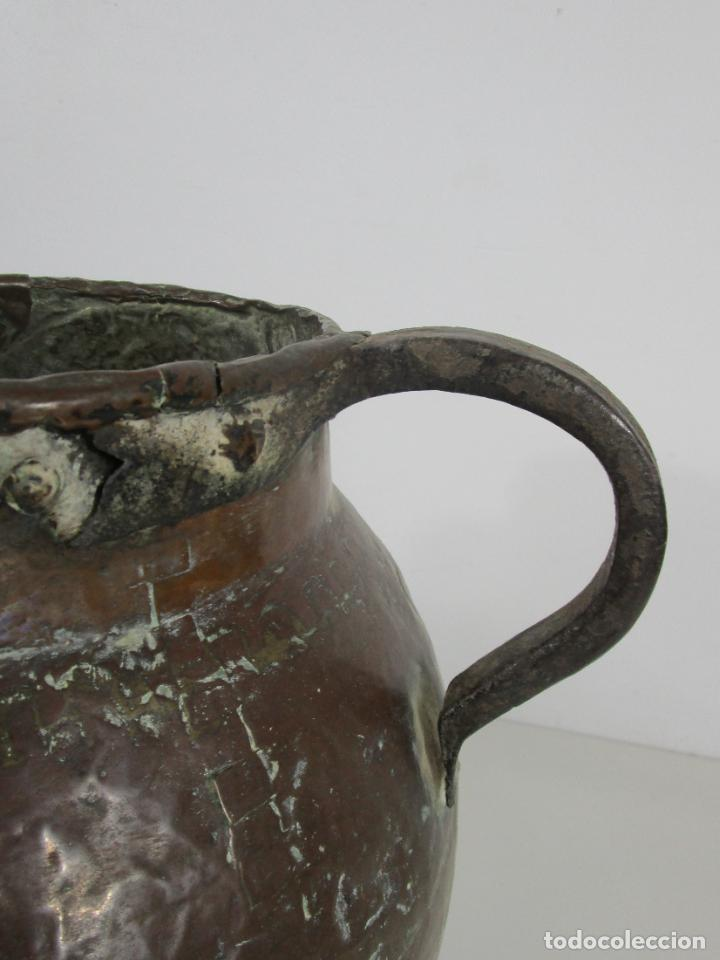 Antigüedades: Antigua Jarra de Cobre - Caldero - Asas de Hierro Forjado - S. XVIII-XIX - Foto 7 - 228140100