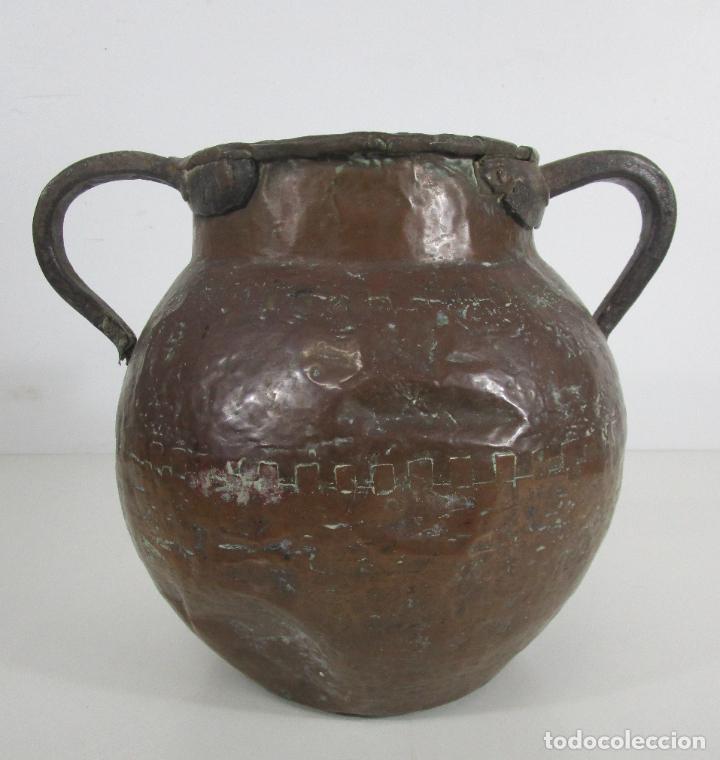 Antigüedades: Antigua Jarra de Cobre - Caldero - Asas de Hierro Forjado - S. XVIII-XIX - Foto 14 - 228140100