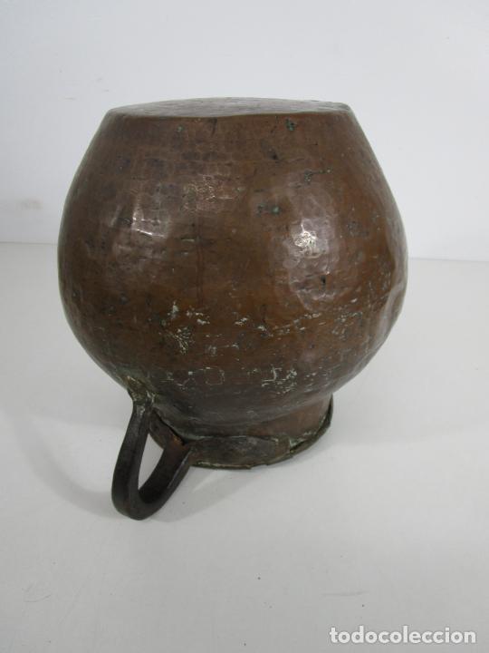 Antigüedades: Antigua Jarra de Cobre - Caldero - Asas de Hierro Forjado - S. XVIII-XIX - Foto 19 - 228140100