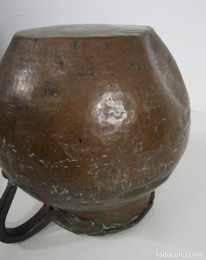 Antigüedades: Antigua Jarra de Cobre - Caldero - Asas de Hierro Forjado - S. XVIII-XIX - Foto 20 - 228140100