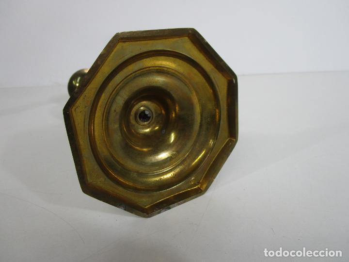 Antigüedades: Pareja de Candelabros - Macizos de Bronce - Marca JBS - Peso 1100 gr Unidad - Foto 8 - 228146150