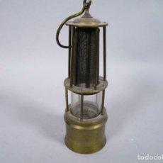 Antigüedades: ANTIGUA Y PEQUEÑA LAMPARA MINERO EN LATON 18 CM Y 24 CM TOTAL 6 CM Ø. Lote 243198135