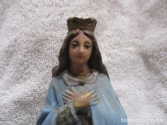 Antigüedades: ANTIGUA FIGURA DE VIRGEN, YESO POLICROMADO - 16,5 CM DE ALTURA. - Foto 2 - 228224573