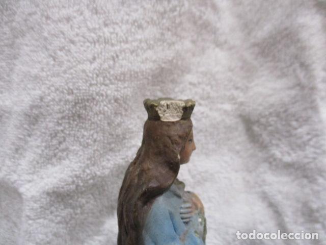 Antigüedades: ANTIGUA FIGURA DE VIRGEN, YESO POLICROMADO - 16,5 CM DE ALTURA. - Foto 12 - 228224573