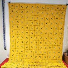 Antigüedades: GRAN MANTELERIA DE 18 SERVILLETAS. 376X172 CM. CREPE DE ALGODÓN. ESPAÑA. CIRCA 1930. Lote 228293415