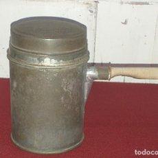 Antigüedades: RECIPIENTE DE COCINA DE LATA. Lote 228300600