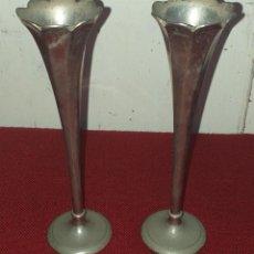 Antigüedades: PAREJA DE FLOREROS SIGLO XIX. Lote 228301420