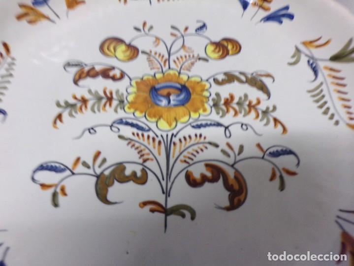 Antigüedades: PLATO ANTIGUO DE TALAVERA LA MENORA DE 31 CM DE DIAMETRO - Foto 3 - 228331155
