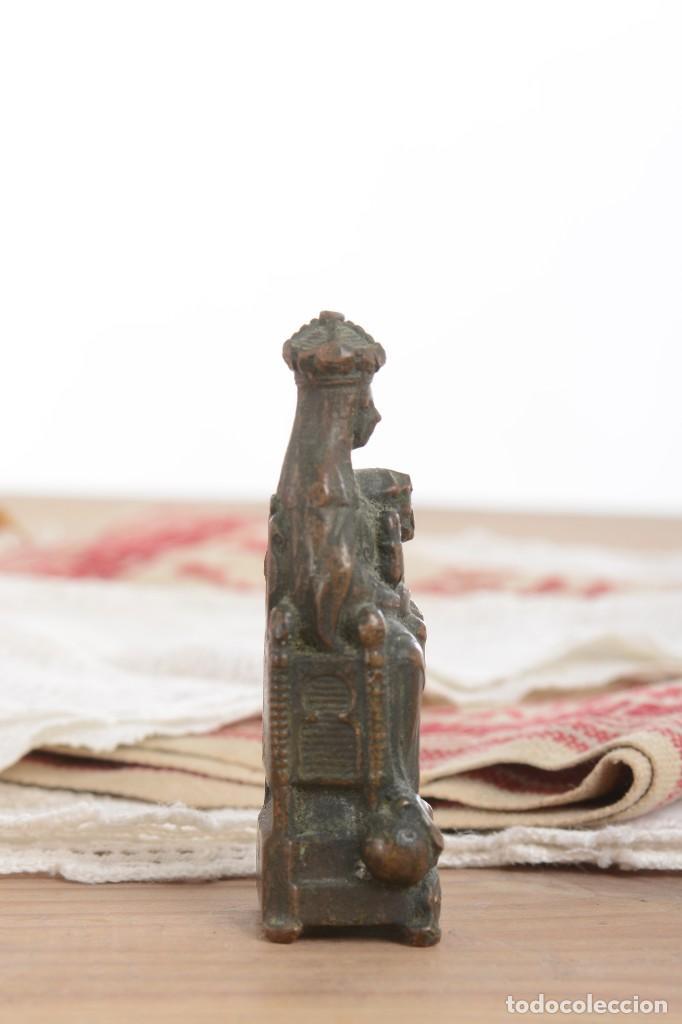 Antigüedades: Antigua Virgen de latón en miniatura - Foto 5 - 228343870