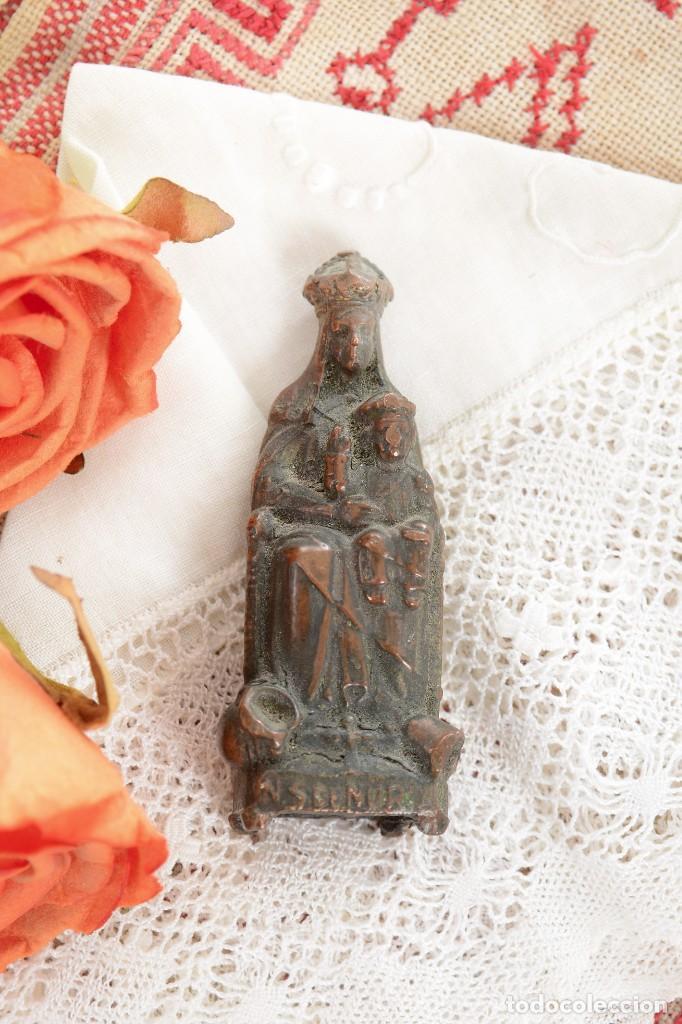 Antigüedades: Antigua Virgen de latón en miniatura - Foto 10 - 228343870