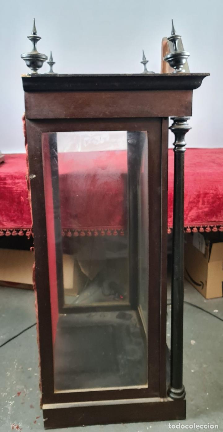 Antigüedades: HORNACINA PARA IMAGEN RELIGIOSA. CHAPADO EN NOGAL. ESPAÑA. SIGLO XIX-XX. - Foto 8 - 228387655